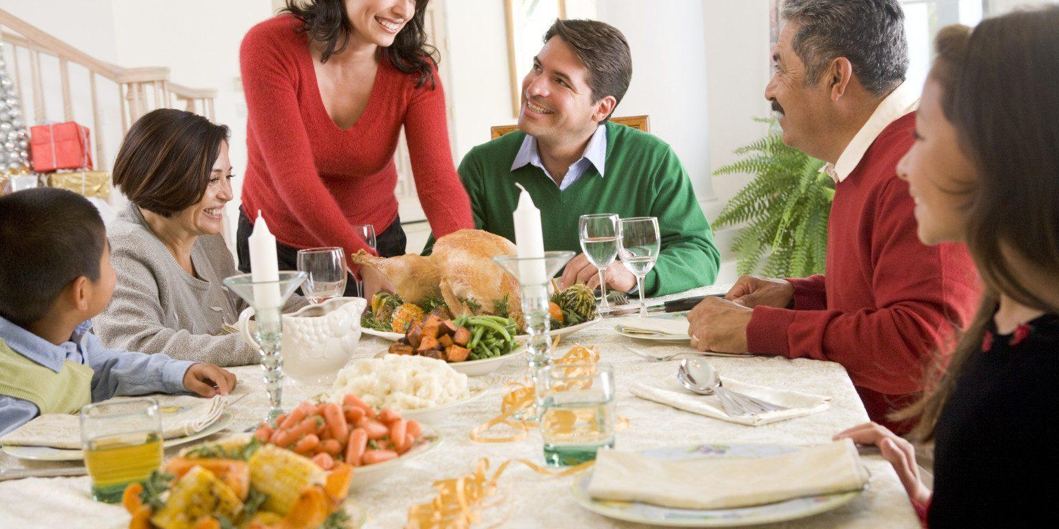 temas de conversación que estresan en Navidad